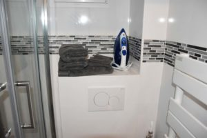 salle d eau rue Lebon meublé